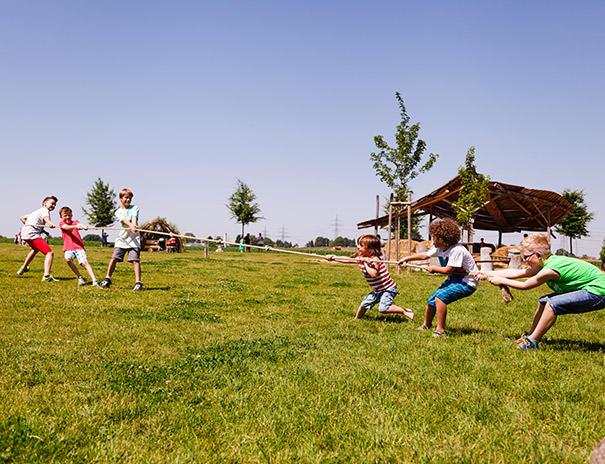 Spiel und Spaß auf dem Hofgelände